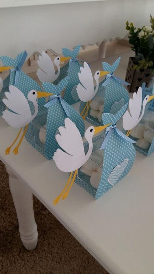 embalagem em formato de cegonha para lembrancinhas de chá de fralda  Foto Baby Shower Ideas