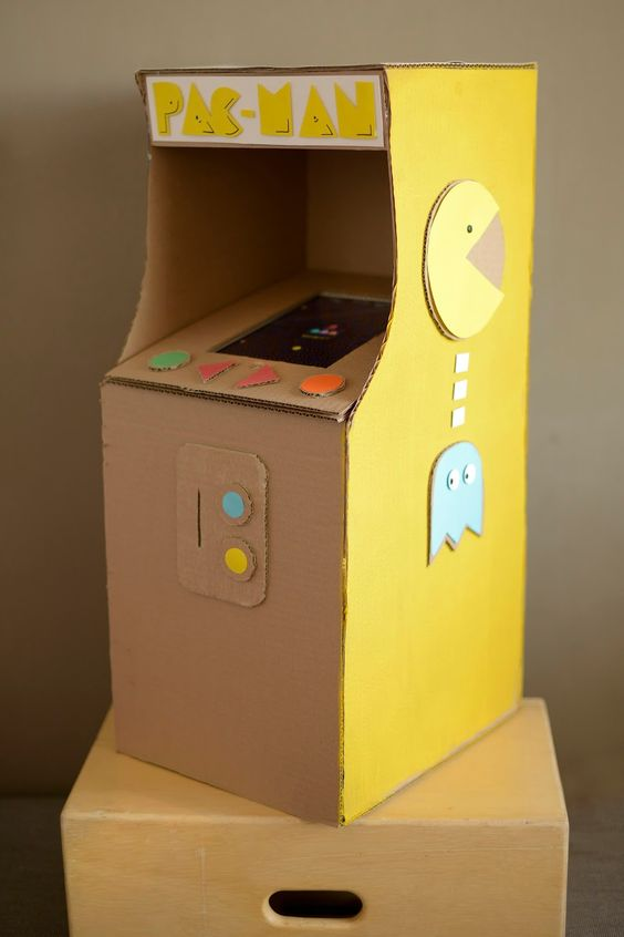 festa anos 80 - cardboard amarelo pac man