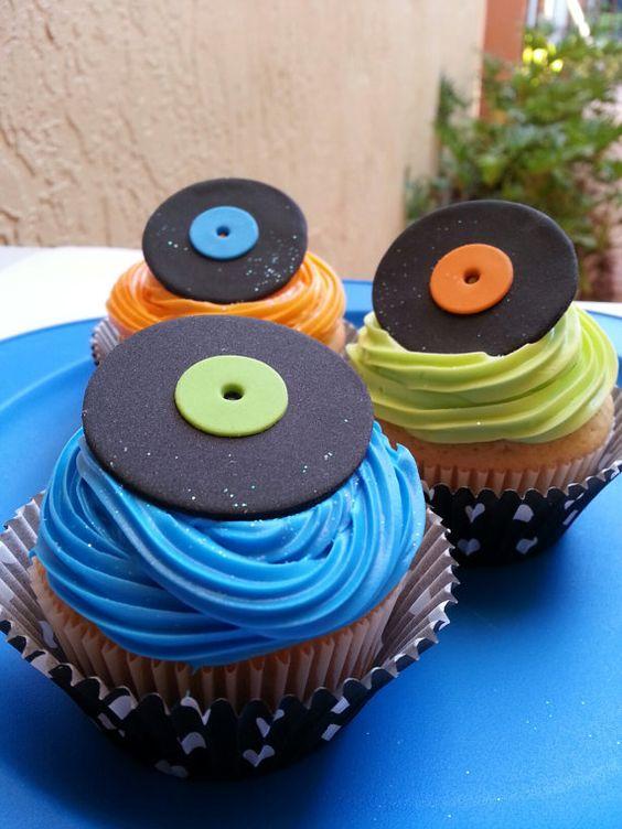 festa anos 80 - cup cake temático