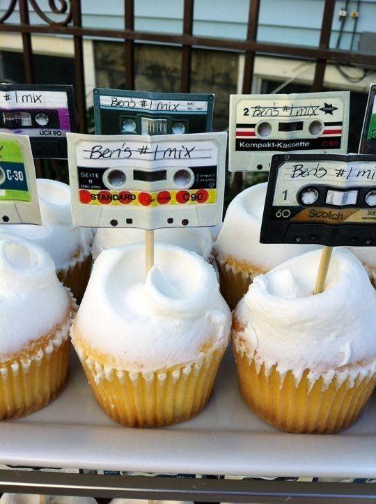 festa anos 80 - doces de festa decorados