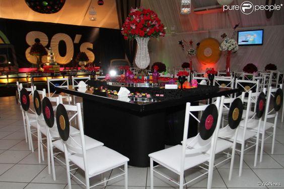 festa anos 80 - mesa de convidados