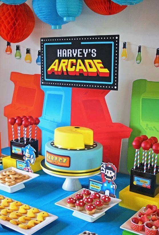 festa anos 80 - mesa de festa com tema de videogame