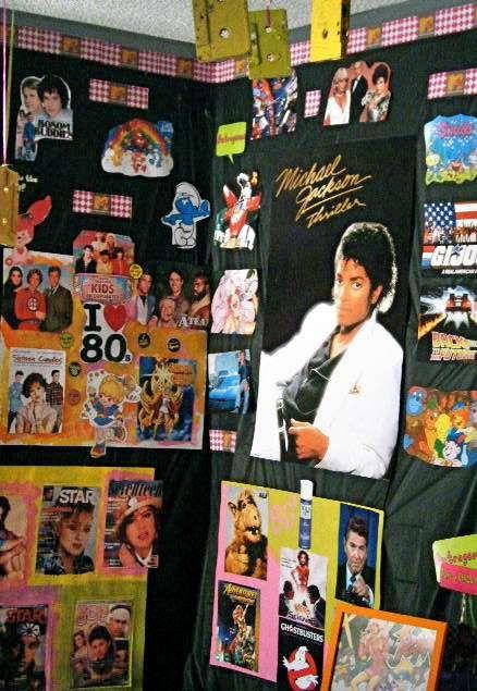 festa anos 80 - parede de festa com fotos dos anos 80