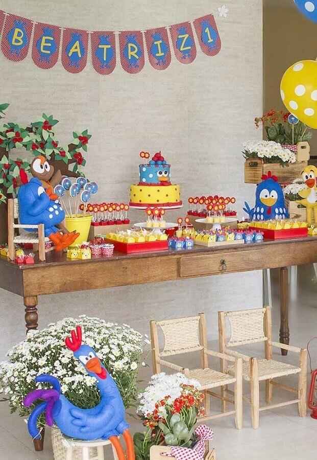 festa da galinha pintadinha simples Foto Pinosy