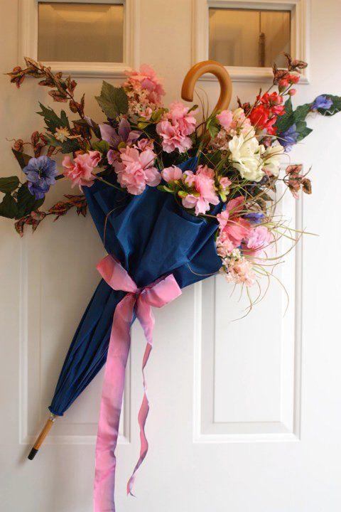 flores artificiais para decoração - arranjo com guarda-chuva e rosas