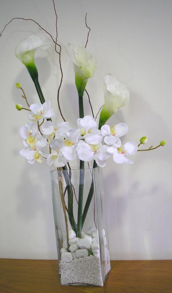 flores artificiais para decoração - orquídeas e copos de leite de plástico