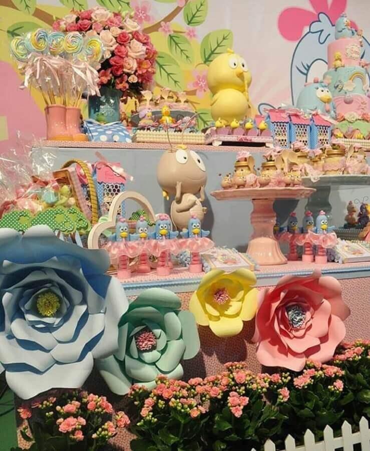 flores de papel para decoração de festa da galinha pintadinha rosa Foto Fadas Madrinhas Decorações