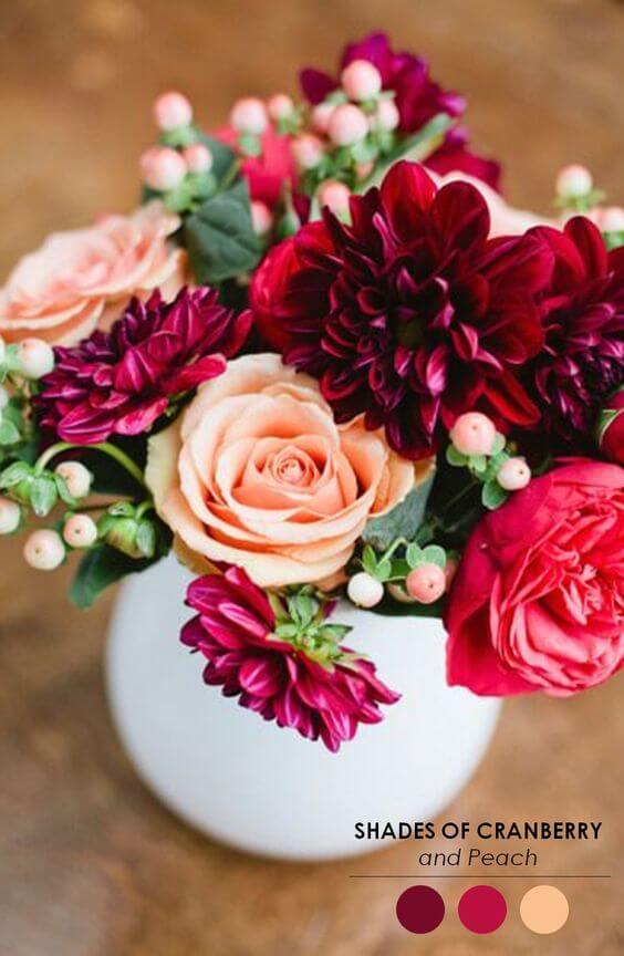 Flores na cor marsala