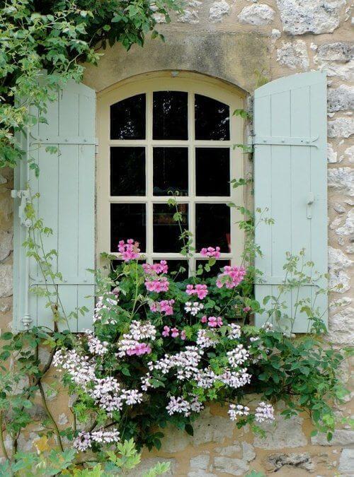 janelas com grades para quarto
