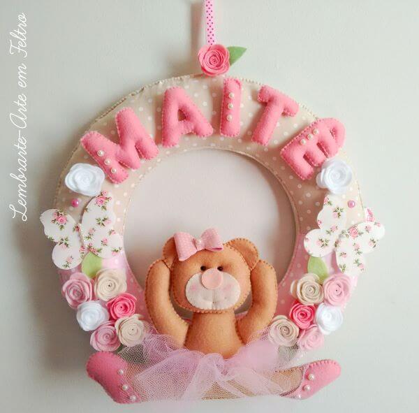 guirlanda de feltro para quarto de bebê