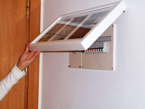 instalação elétrica - quadro de luz escondido por quadro