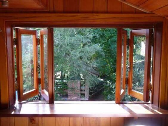 Janela para quarto de madeira