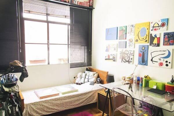 Janela para quarto moderno com persianas