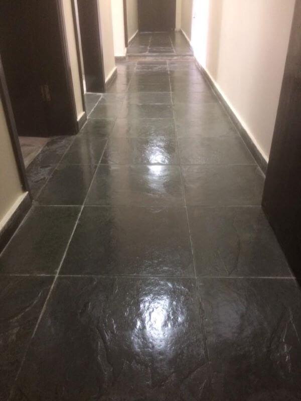 Faça a manutenção do piso sempre que puder
