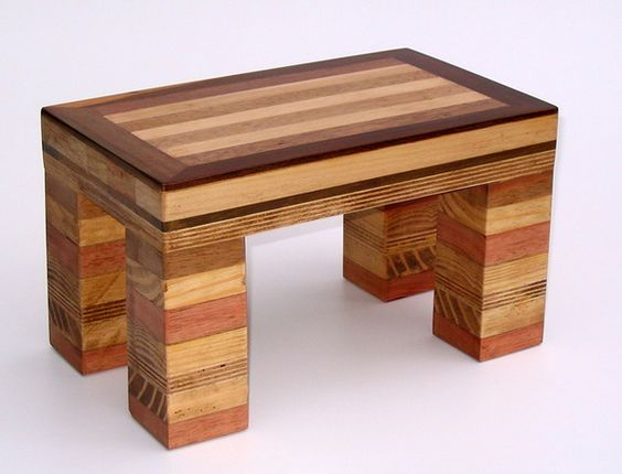 marchetaria - banco de madeira feito em marchetaria