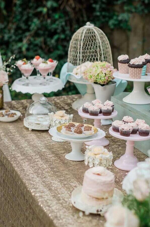 mesa de guloseimas ao ar livre Foto Mirabelle Creations