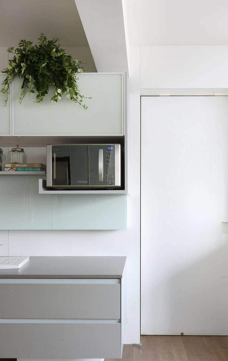 microondas espelhado - armário aéreo com suporte para microondas
