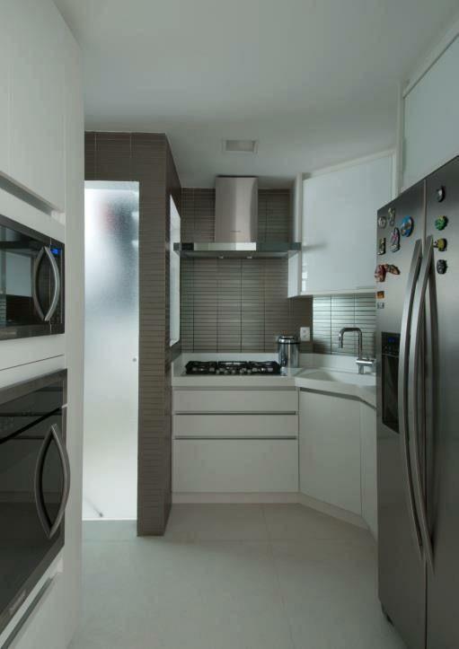 microondas espelhado - armário branco