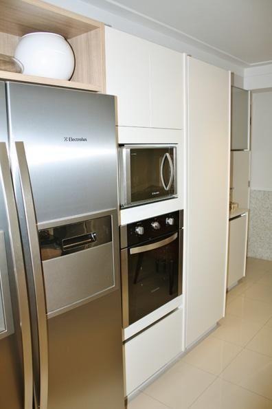 microondas espelhado - cozinha planejada com microondas embutido