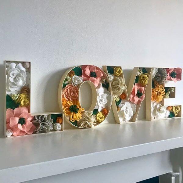Molde de letras com flores para decorar quarto