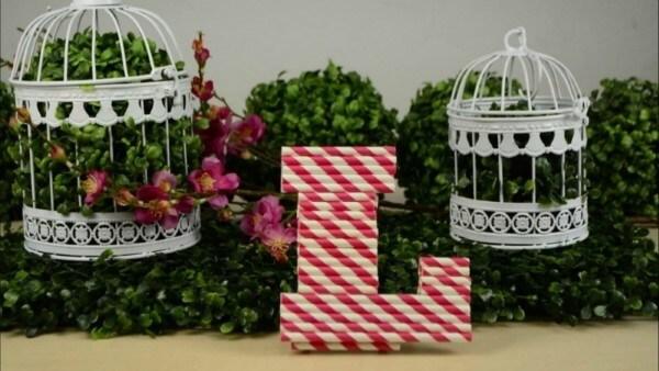 molde de letras com canudos