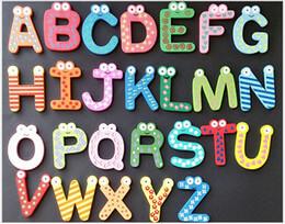 Moldes de letras para ensinar as crianças o alfabeto