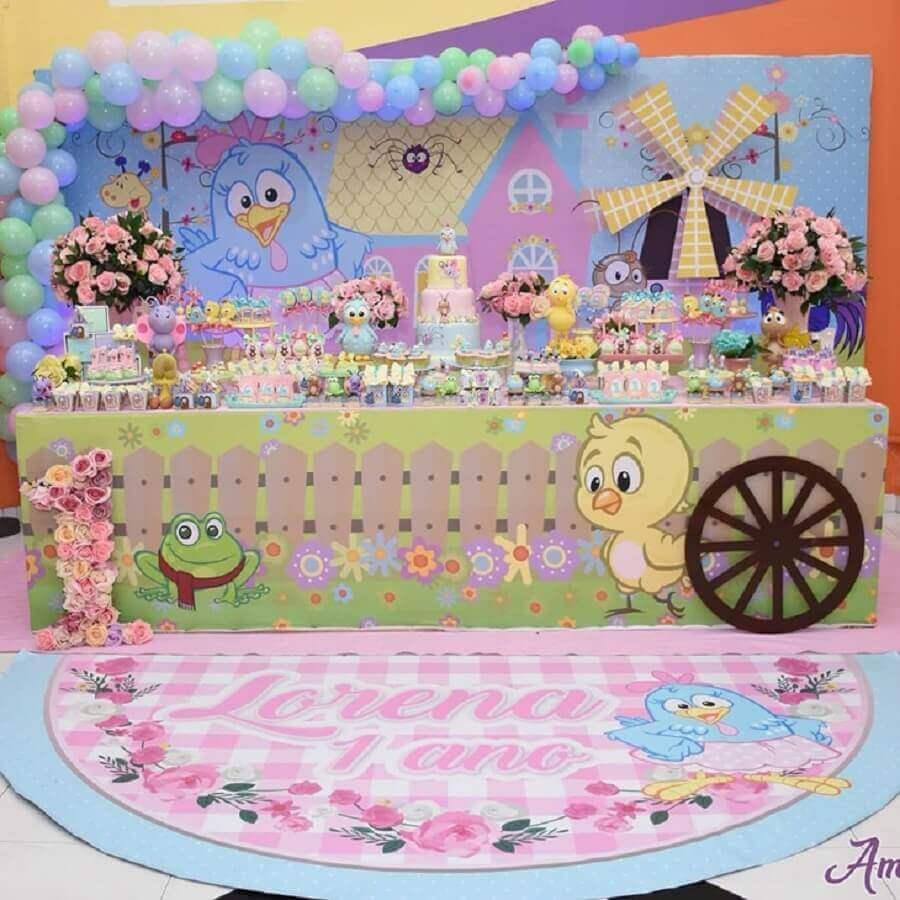 painel decorado com balões para festa da galinha pintadinha rosa Foto Naty e Cia