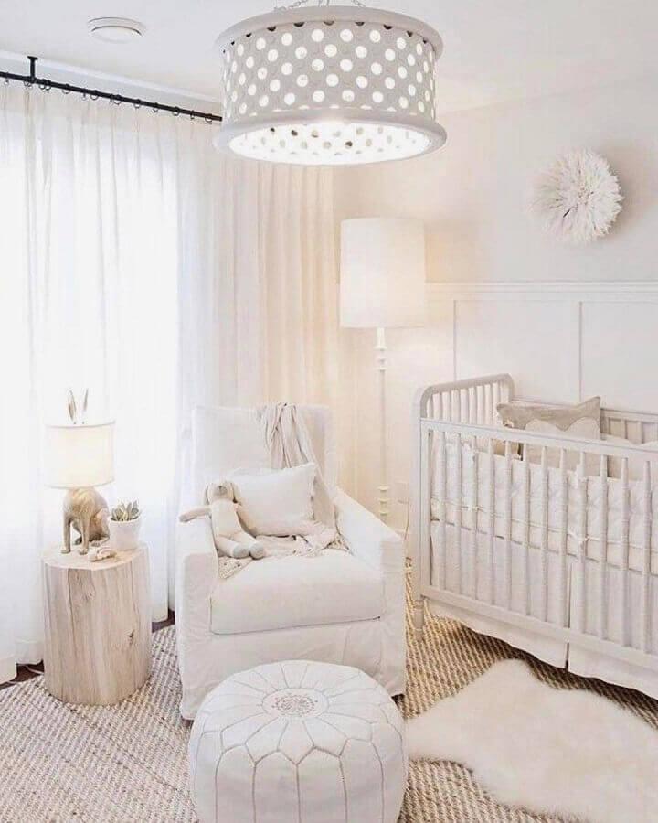 pendente para quarto de bebê todo branco Foto France & Søn Blog