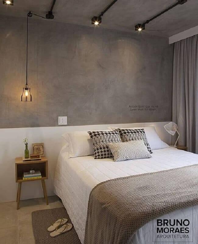 pendente para quarto moderno com parede de cimento queimado Foto Bruno Moraes Arquitetura