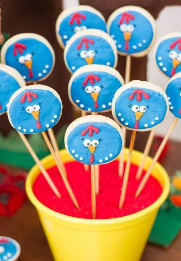 pirulitos personalizados para festa da galinha pintadinha Foto Pinterest