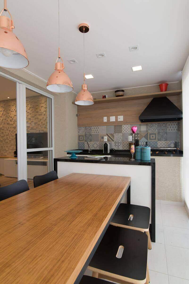 piso para varanda - varanda com azulejo simples