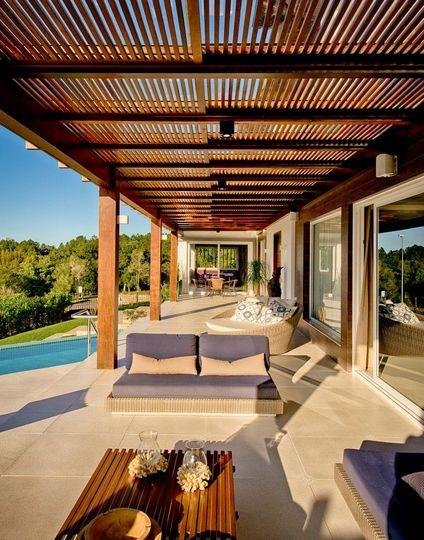 piso para varanda - varanda com pergolato