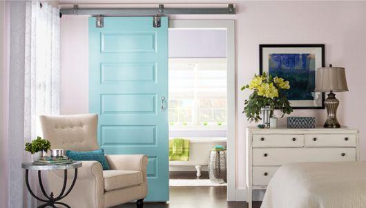 porta de correr para banheiro azul