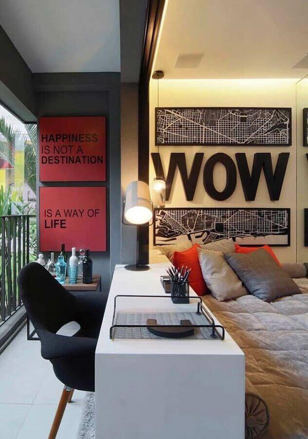 quadros decorativos para quarto planejado com varanda e bancada de estudos Foto Casa Perferies