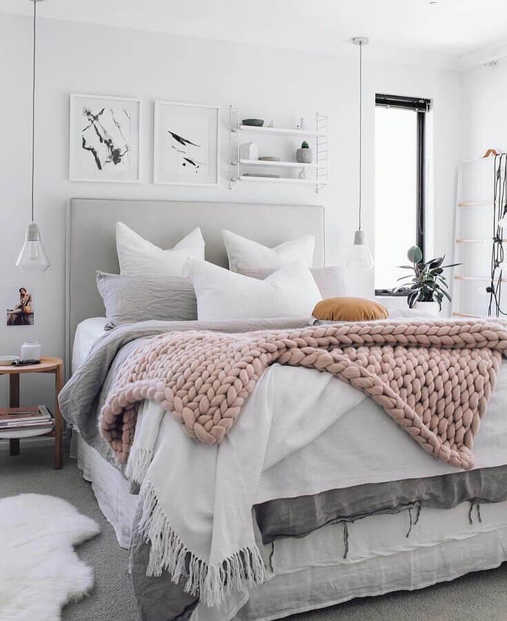 quadros decorativos para quarto todo branco com pendente moderno Foto Na Dúvida Experimenta