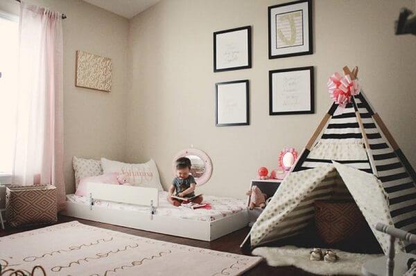 A cabaninha infantil faz parte do modelo de quarto montessoriano