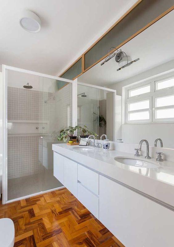 sinteco - banheiro com piso de taco