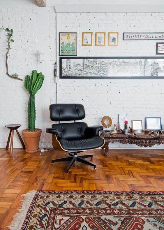 sinteco - casa com piso de taco e tapete
