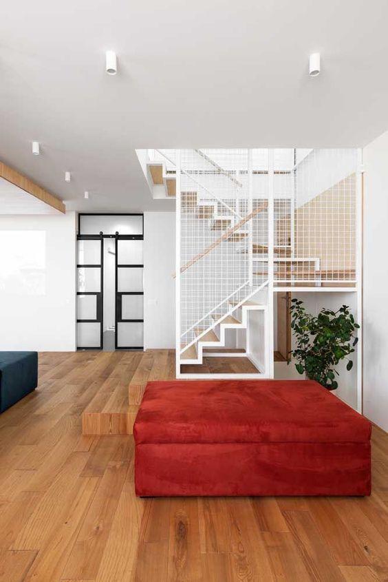 sinteco - casa com piso laminado