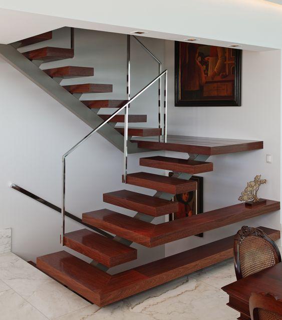 sinteco - escada de madeira escura