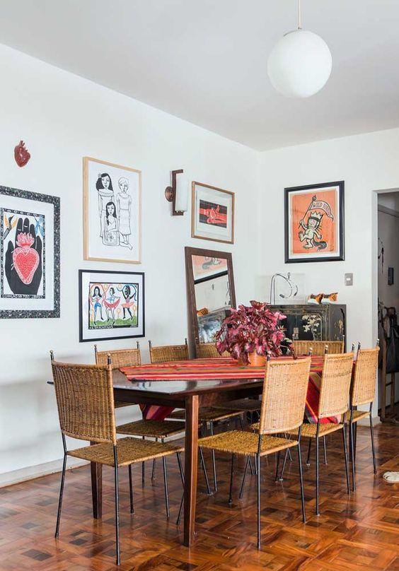 sinteco - sala de jantar com piso de taco envernizado