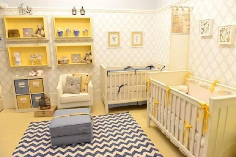 tapete chevron cinza para quarto de bebê decorado cinza e amarelo Foto Andreza Goulart