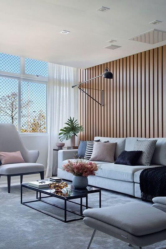 tapete cinza para sala moderna decorada com sofá branco Foto Casa de Valentina