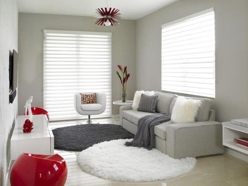 tapete cinza redondo e tapete branco redondo para sala decorada Foto Dentox Dessign