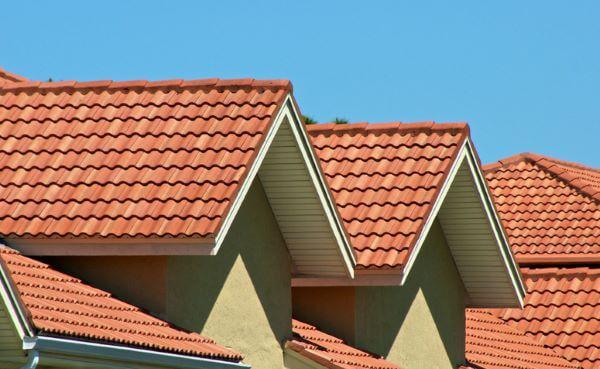 Decore sua casa com a telha colonial