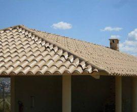 A telha colonial pvc é resistente e proporciona proteção acústica para sua casa - Por: Pinterest