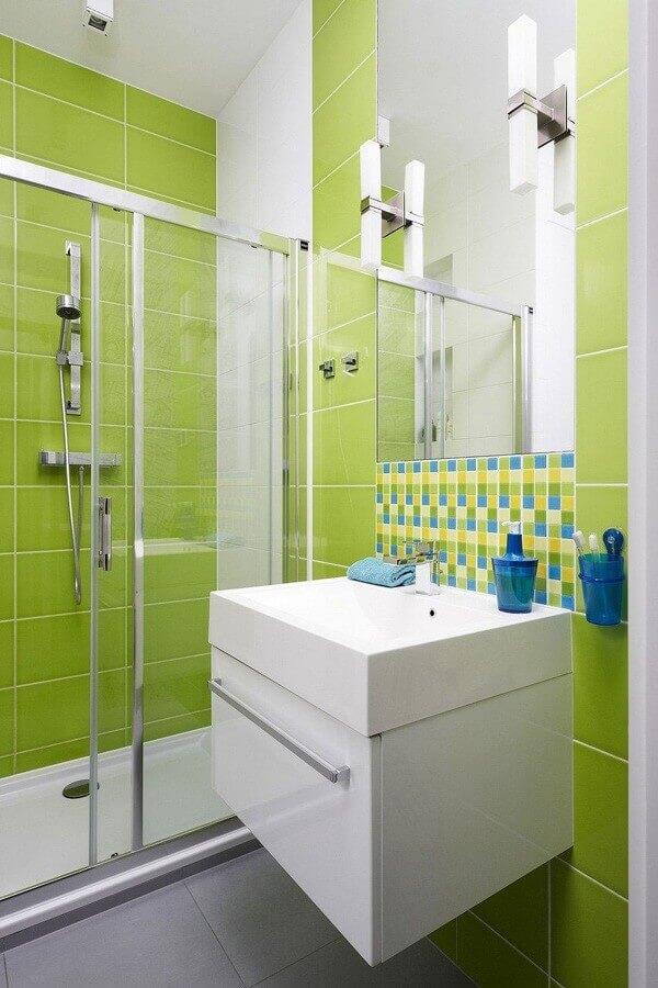 Tinta de azulejo verde para banheiro