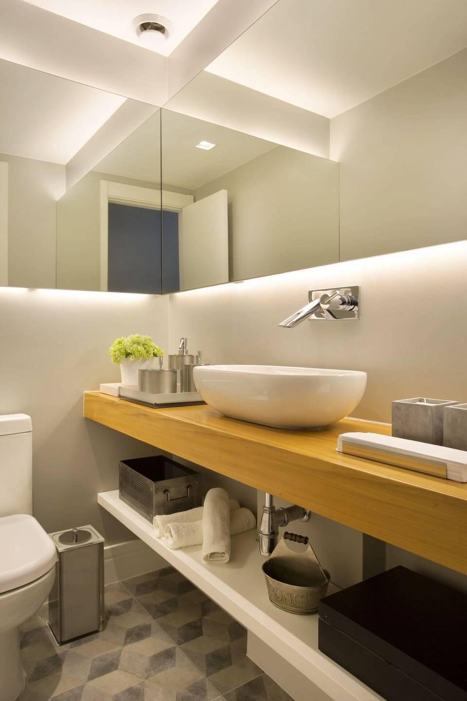 toalha de lavabo - lavabo contemporâneo e piso de ladrilho hidráulico