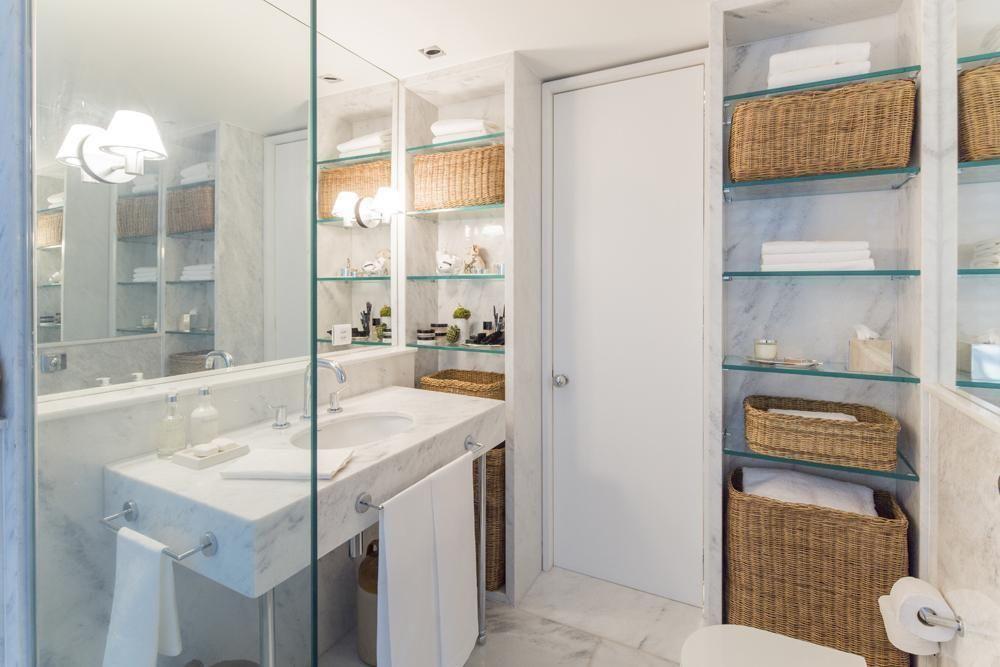 toalha de lavabo - lavabo grande com itens de palha