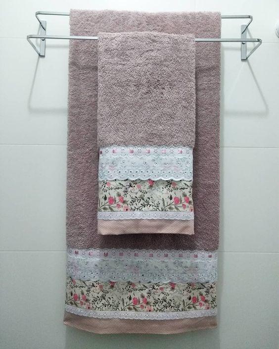 toalha de lavabo - toalha salmão com detalhes floridos